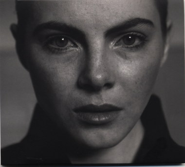 Julia Marcell – Sentiments